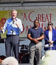 Mayor Bill de Blasio, Rev. Al Sharpton and State Sen. Brian Benjamin at Harlem Week festivities