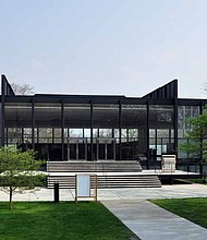 A photo of S.R. Crown Hall on the Illinois Institute of Technology campus. Designed by Ludwig Mies