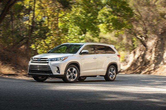 The 2018 Toyota Highlander got a new V6 engine with an eight-speed automatic transmission and the combination puts out 295 ...