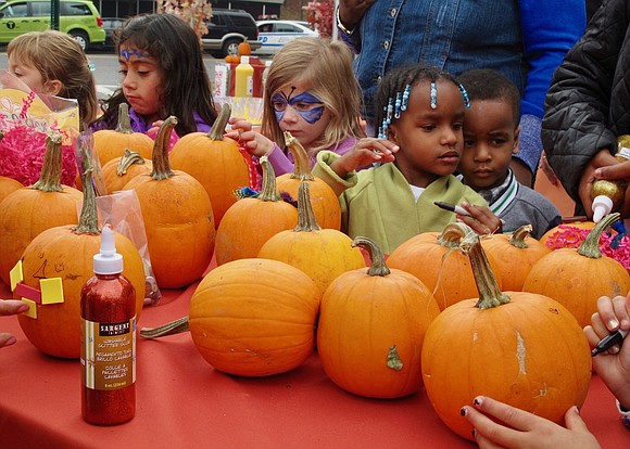 Fall is finally here, Halloween costume planning is in full movement and Harlem Park to Park's annual Harlem Harvest Festival ...