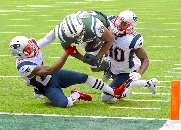 With the Jets ahead 14-0 at the six-minute mark of the second quarter of Sunday's game, the New York Jets ...