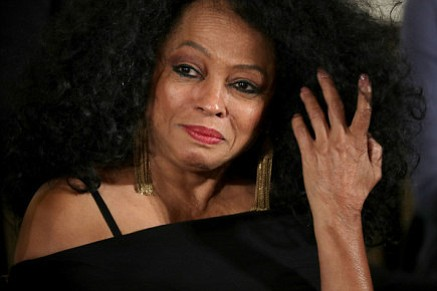 Diana Ross will be given a Lifetime Achievement honor at the 45th annual American Music Awards, and also perform during ...