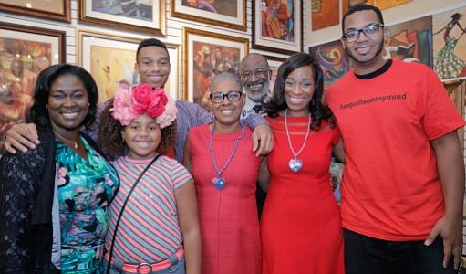 Mame Young, Owner of LaBelle Art Gallery with her daughter, Kayla along with Josh Hall, Debbi & Hunter Lewis, fundraiser host and PHL 17 Tribune Broadcasting morning news anchor Jennifer Lewis-Hall and Joey Hall.