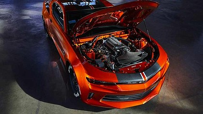 under the hood of the full-scale 2018 Chevrolet Camaro Hot Wheel