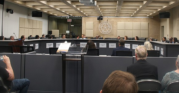 Dallas City Council is at a standstill as the controversial Confederate monuments decision has hit a snag in the process.