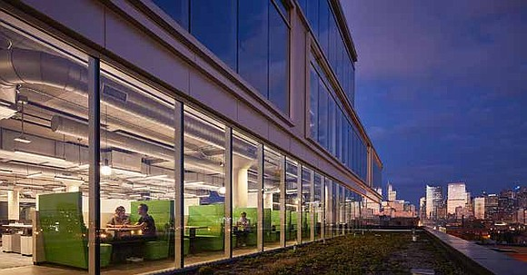 Glassdoor officially announced its expansion to Chicago in late of 2015 and opened its first temporary office in February 2016 ...