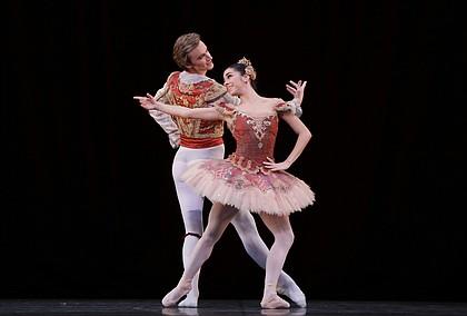 Ballet: Don Quixtote Choreographer: Stanton Welch AM Dancer(s): Monica Gomez and Jared Matthews Photo: Amitava Sarkar