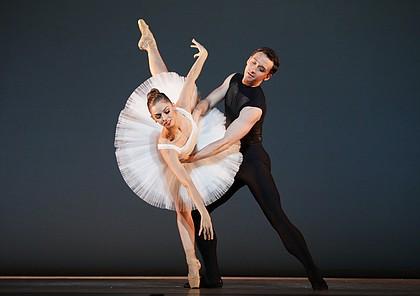 Ballet: Punctilious Choreographer: Stanton Welch AM Dancer(s): Allison Miller and Aaron Sharratt Photo: Amitava Sarkar