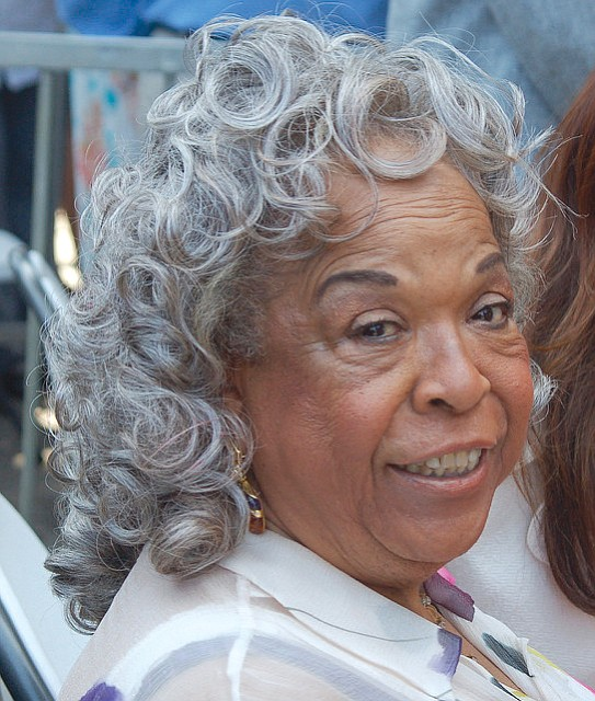 Della Reese, who excelled in the recording arts as well as in motion pictures and ..