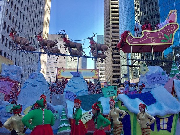 This holiday season, the Houston Downtown Management District (Downtown District) invites Houstonians and visitors to get in the spirit by ...