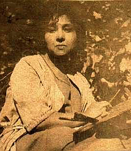 Laura Wheeler Waring in 1910