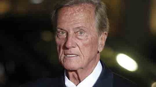 Celebrate the holidays with the legendary Pat Boone as he brings his one of a kind..