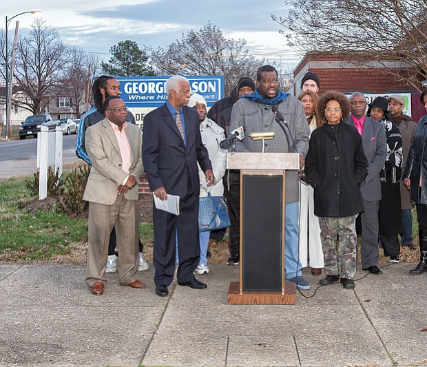 Stumping for schools  //