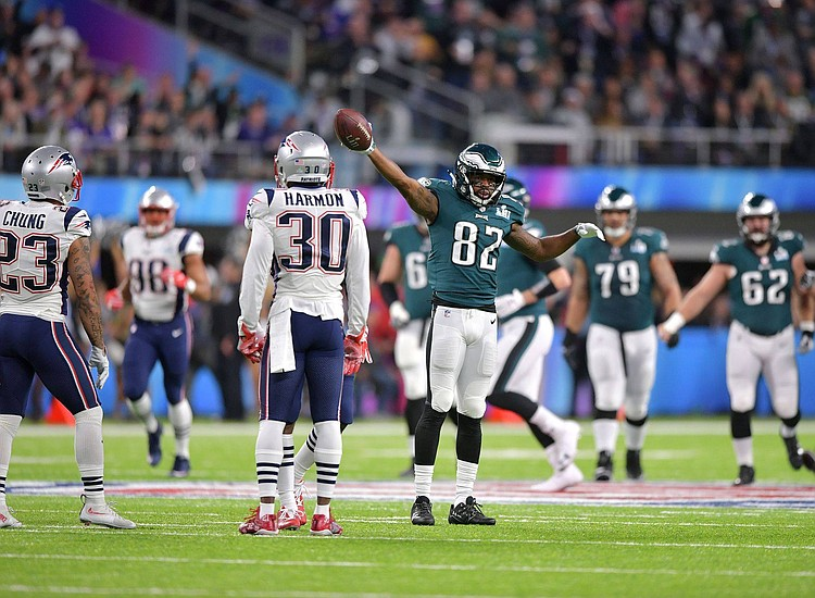 Eagles beat Patriots in Super Bowl  36f928422