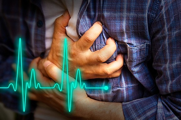 "Many people tend to confuse and interchange the terms ""heart attack"" and ""cardiac arrest,"" but it is very important to ..."