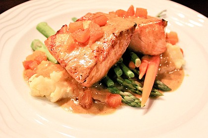 Lakeway Resort and Spa's Travis Restaurant's oven roasted salmon paired with mashed potatoes and asparagus