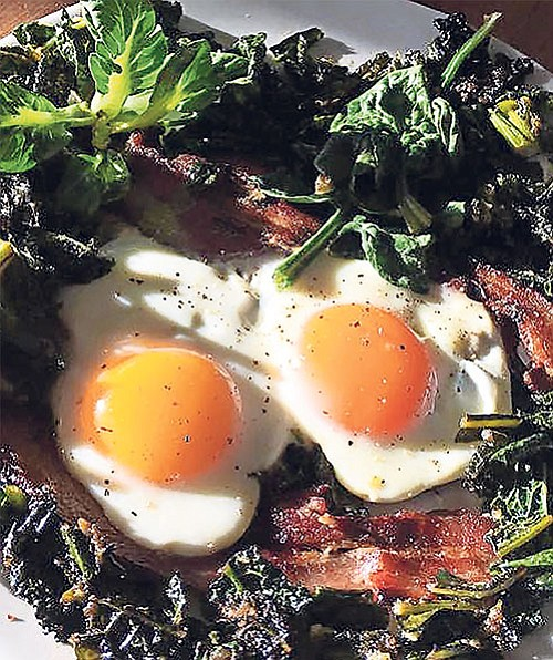 Eggs in a Forest is a ketogenic dish that anyone will like, even carboholics. It's basically eggs and bacon, plus fibrous green veggies.