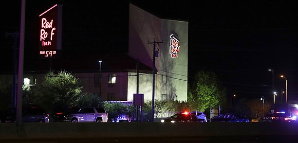 The suspect in a series of bombing attacks in Austin blew himself up early Wednesday as authorities closed in, a ...
