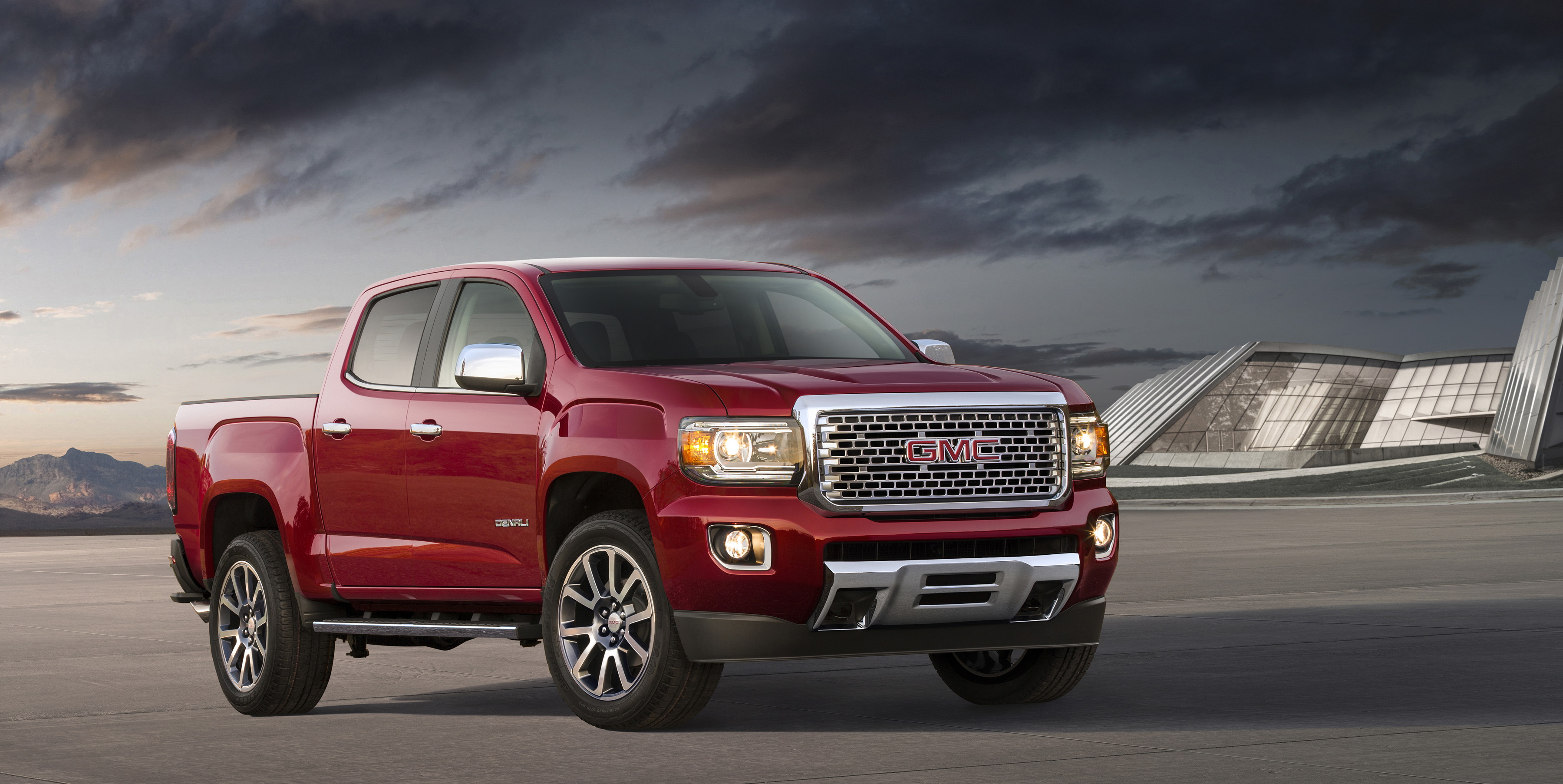 Mixing Country And City In The 2018 Gmc Canyon Denali
