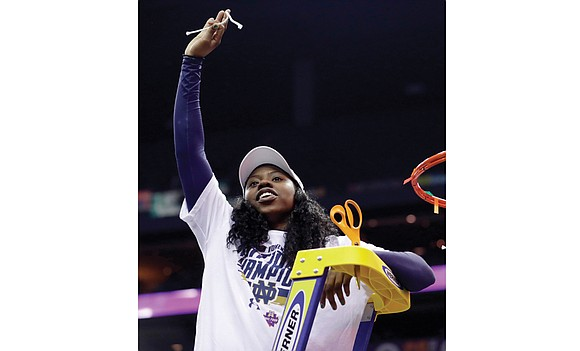 Arike Ogunbowale has a hard name to pronounce and apparently a hard jump shot to defend. She also is pressure-proof ...