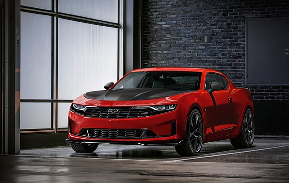Chevrolet today introduced a reinvigorated 2019 Camaro lineup with distinctive designs, new available technologies and the first-ever Turbo 1LE.