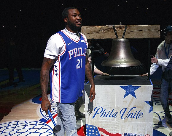 Joel Embiid and Ben Simmons shined again in front of rapper Meek Mill, and the dominant duo ushered the nightmares-into-dreams ...