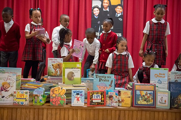 Kelly Cares Foundation donates 10,000 books to NYC elementary schools