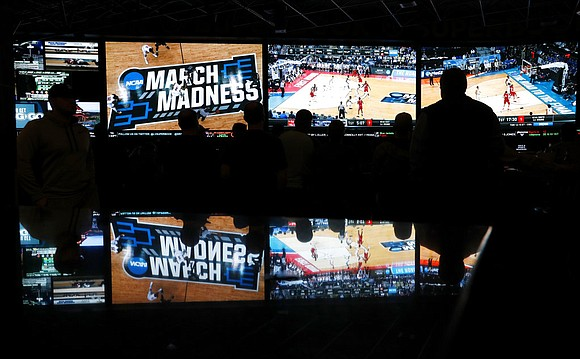 The Supreme Court cleared the way Monday for states coast to coast to legalize betting on sports, breaking a longtime ...