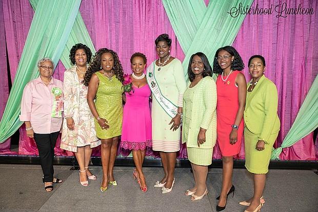 Alpha Kappa Alpha, Inc. International President Dorothy Buckhanan Wilson stands with sorority members including Star Jones