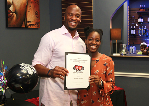 Former Houston Texans player and FBISD Alumni, Devard Darling awarded college scholarships to deserving students through his As One Foundation. ...