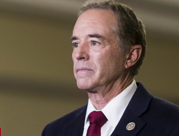 Federal prosecutors in New York on Wednesday charged New York Republican Rep. Chris Collins, his son and another man with ...