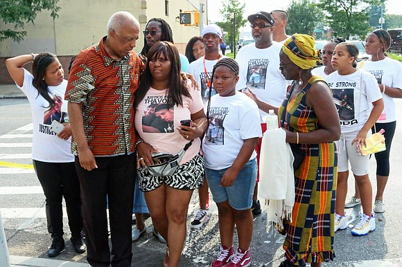 """""""We charge attempted murder by the police, we want justice for Thavone Santana, and we want the immediate arrest of ..."""