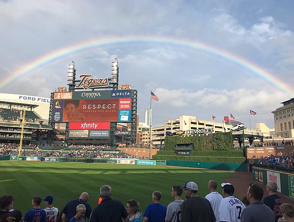 During a moment of silence to remember the Queen of Soul Aretha Franklin Tuesday, fans at a Detroit Tigers game ...