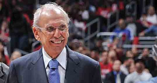Play-by-play man Ralph Lawler, the longtime voice of the Los Angeles Clippers, has announced..