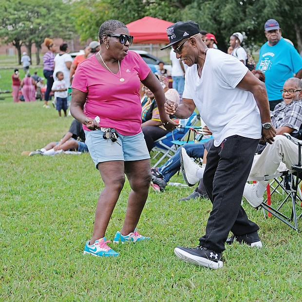 Hundreds of old-timers and others gathered at Ethel Bailey Furman Park for the 35th Annual Church Hill Reunion. The event, held last Saturday, featured family activities, food and music. (Sandra Sellars/Richmond Free Press)