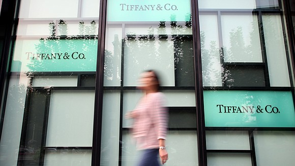 Chinese tourists in the United States slowed their spending at Tiffany during its most recent quarter, a troubling sign for ...