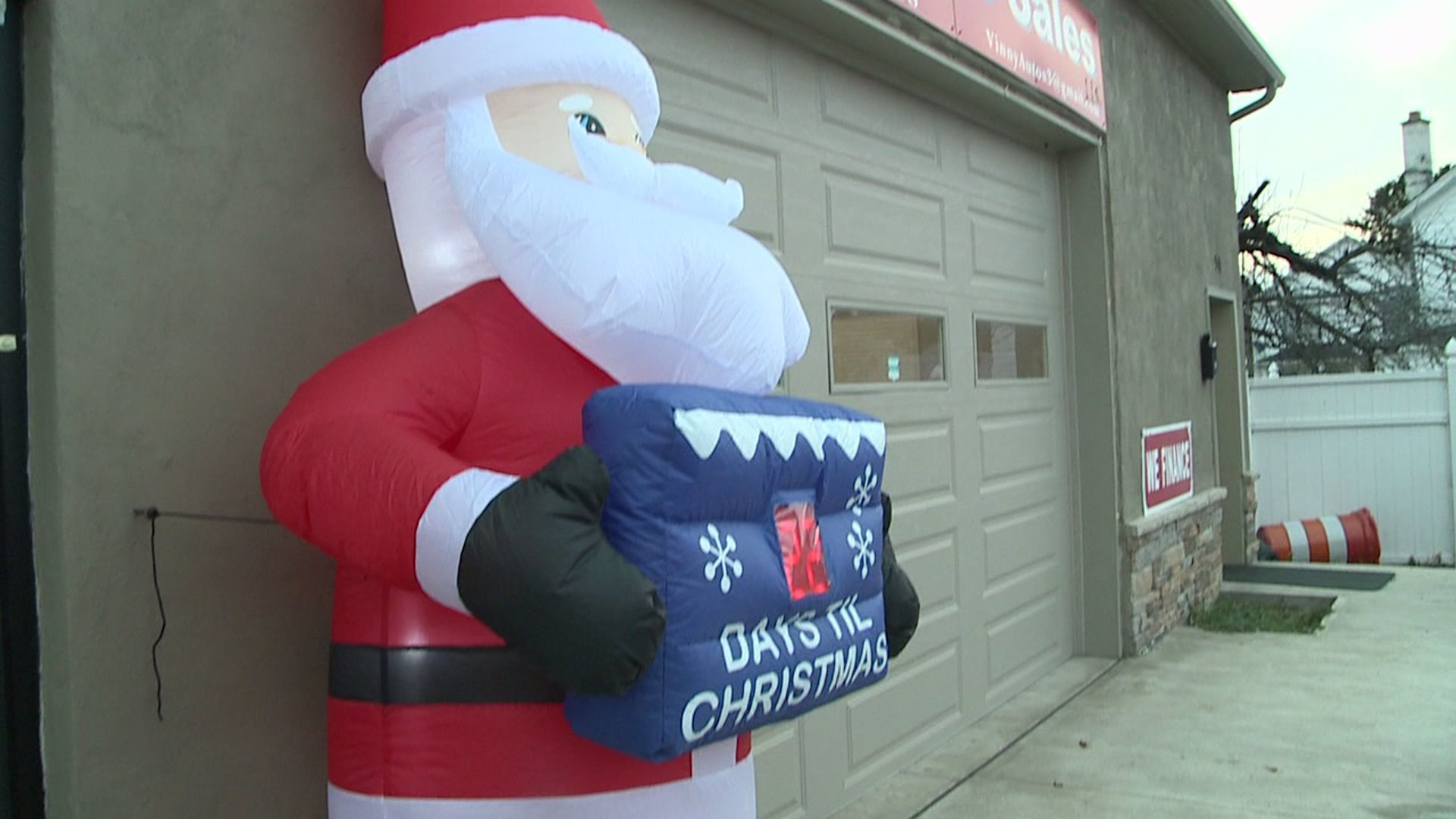 Brothers Auto Sales >> Police Searching for Someone Who is Quite Literally Stealing Christmas | Houston Style Magazine ...