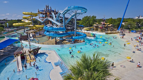 Experience on-of-a-kind waterpark adventures at Schlitterbahn.
