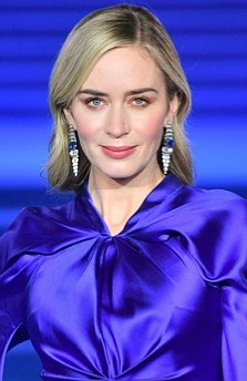 At the London premiere of Mary Poppins Returns, celebrity makeup artist Jenn Streicher used Chantecaille to create a rosy pink ...