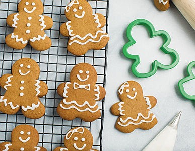 Transform one vibrant holiday flavor into two festive treats that family and friends are sure to love. Nothing signals the ...