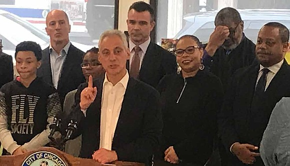 Mayor Rahm Emanuel, Chicago Public Library Commissioner Brian Bannon, and Sixth Ward Alderman Roderick Sawyer recently gathered with community members ...