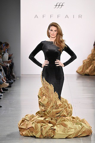 It is fitting that one of Hollywood's newest go-to labels, Afffair, closed out NYFW at Spring Studios with a sultry, ...