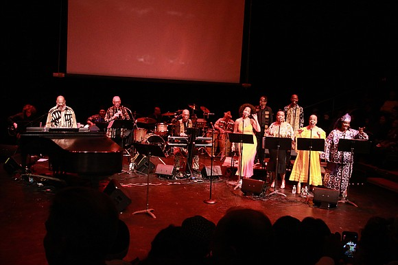After performing more than a dozen songs popularized by Harry Belafonte, pianist and vocalist Richard Cummings Jr., with an ensemble ...