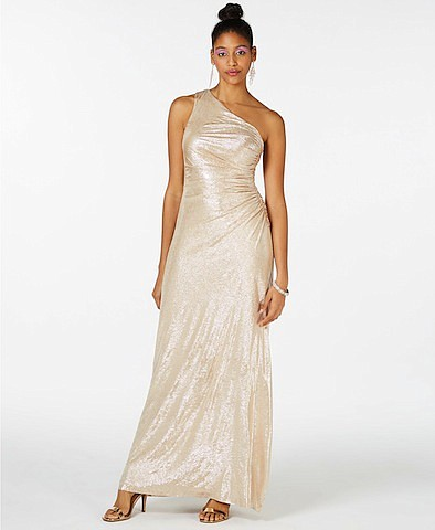 Finding the perfect dress or suit for such an important event can be stressful for shoppers and their parents, but ...