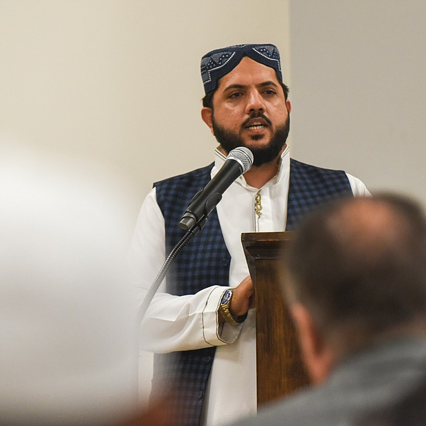 Imam Irfan Ali Shah of the Islamic Center of Henrico offers prayers in remembrance of the victims of the Easter Sunday bombings at three Christian churches and three luxury hotels in Sri Lanka that claimed the lives of more than 250 people and wounded 500 others. (Regina H. Boone/Richmond Free Press)