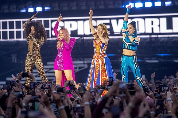 Fans of the Spice Girls are demanding refunds after the girl group's long-anticipated reunion tour was plagued by sound problems ...