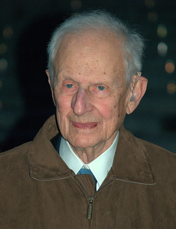 Former Manhattan District Attorney Robert M. Morgenthau has died.