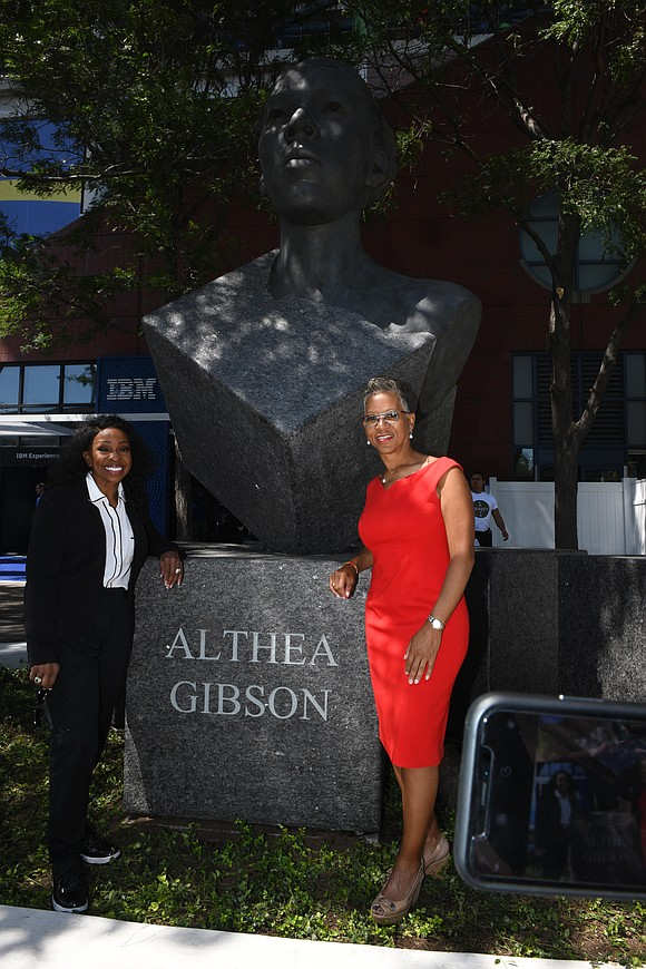 The start of this season's U.S. Open began in its usual, celebratory fashion, this year honoring legendary tennis great Althea ...