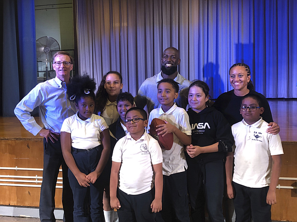 Earlier this week, Giants safety Michael Thomas, UnitedHealthcare, United Way of NYC and Dreambuilders donated nearly 500 backpacks full of ...