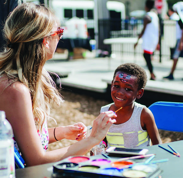 Breakthrough, a community-based nonprofit organization working in East Garfield Park, recently hosted its final weekly Light in the Night event of the summer. Photo Credit: Breakthrough